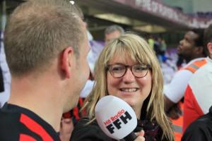 FFH im Einsatz: Sonja Pahl interviewt die Eintracht - Fans.
